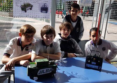 Equipo de Quinto Básico SD segundo en feria de Tecnología y Robótica de UNAB