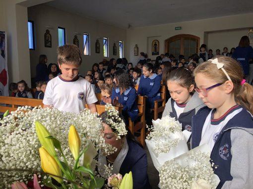 Mes de María en Colegio Saint Dominic